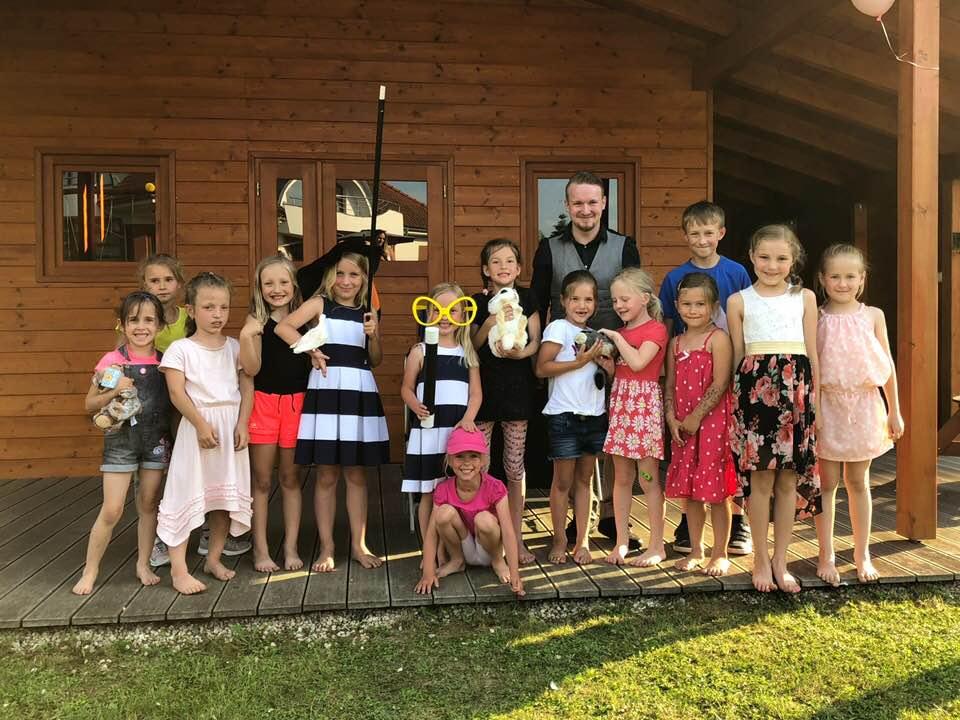 kouzelník pro děti na narozeninovou oslavu